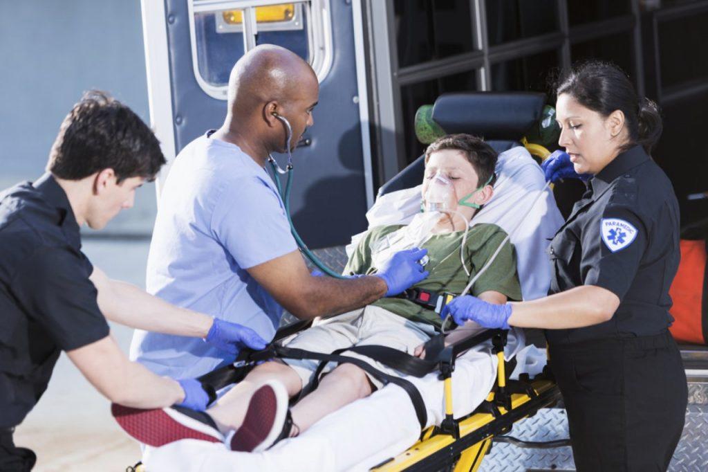 پیشگیری و کنترل شرایط بحرانی حملات قلبی در ورزشگاه دبیرستان ها و دانشگاه ها