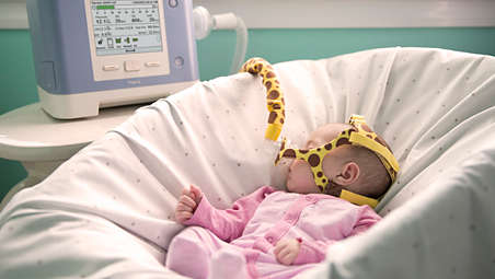 تعویض ونتیلاتور بیمارستانی به ونتیلاتور پرتابل خانگی در اطفال
