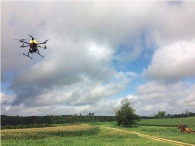 حمل دستگاه شوک خودکار با استفاده از هواپیمای بدون سرنشین